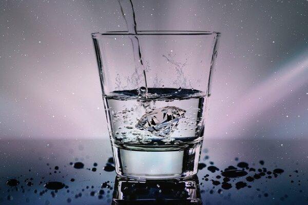 Bevi solo acqua o tè