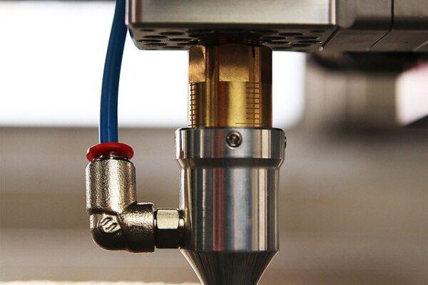 I sistemi laser a fibra e CO2 producono lunghezze d'onda diverse